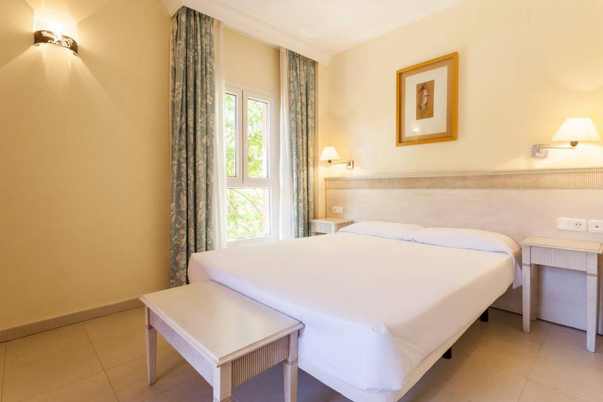 Appartement aparthotel ilunion  sancti petri cádiz
